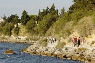 La promenade du pourtour de la presqu'île