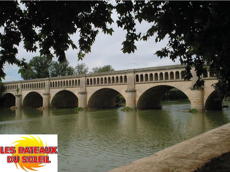 Office de Tourisme Balaruc-les-Bains Croisiere repas sur le Canal du Midi avec les Bateaux du Soleil