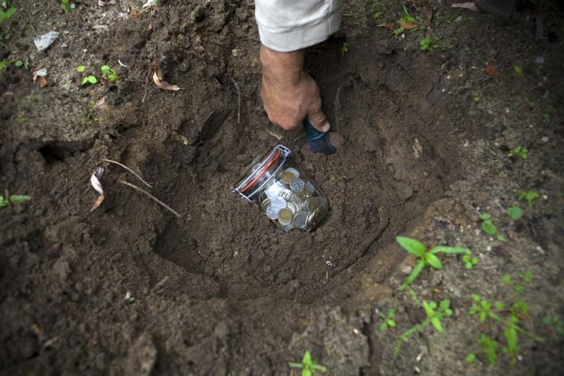 les-lingots-dor-enterres-dans-le-jardin-sont-rarement-un-tresor